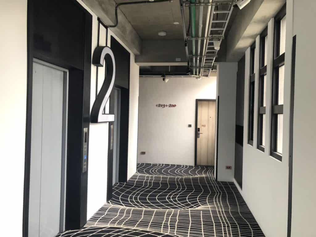 台中|逢甲|MINI HOTEL,公共空間-電梯