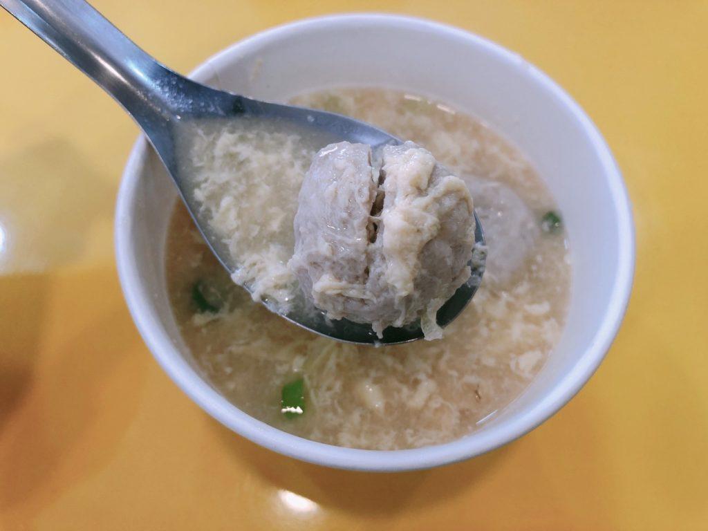 台北|松山區|涼感口感兼具,3種口味任你選-饒河街玖二涼麵-味噌貢丸蛋花湯