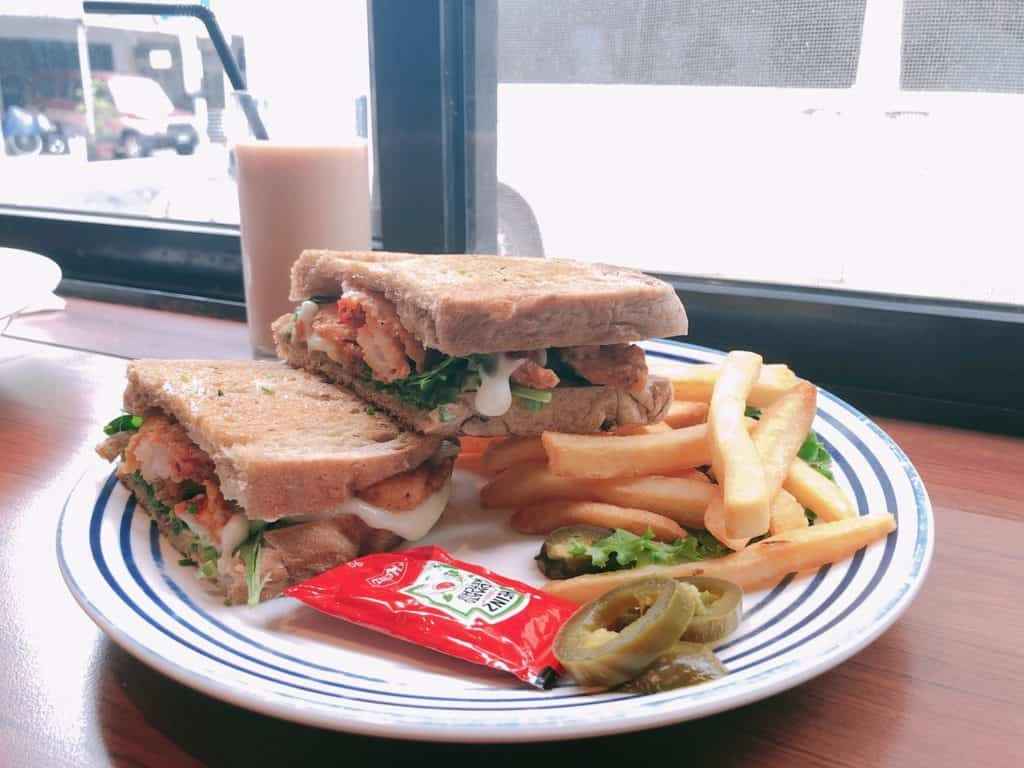 台北|大安區|big table 每天都想吃的美味.自家烘培三明治早午餐-酪梨炸蝦三明治2