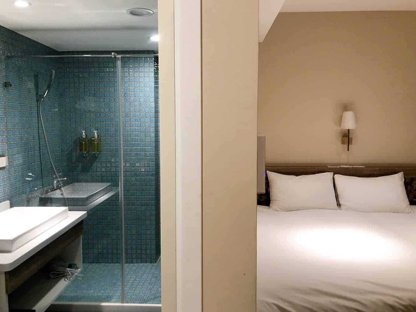 標準雙床房-浴廁及床鋪