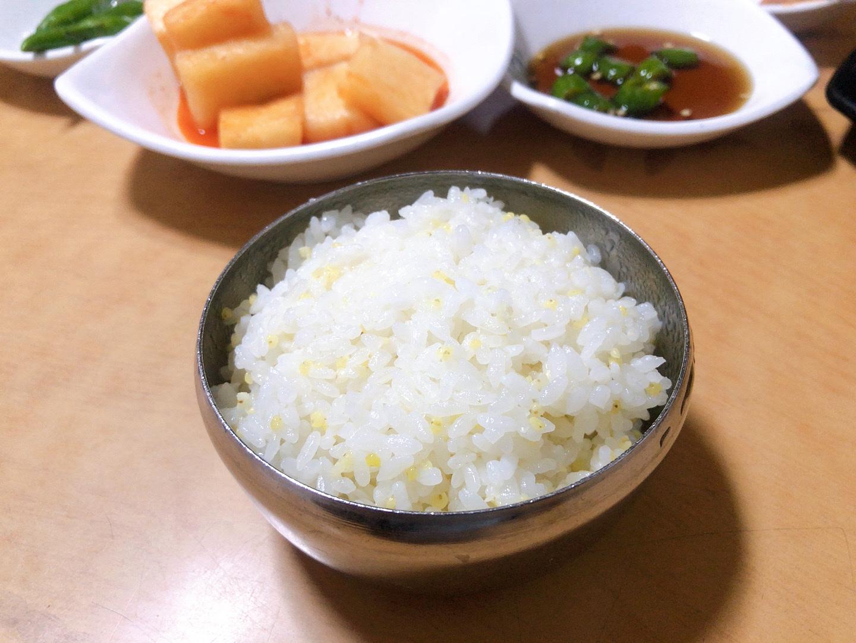 濟州島美食-宇進解酒湯,鍋物附贈小米飯
