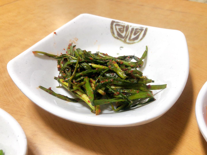 ▲ 濟州島美食宇進解酒湯-醃製小菜辣韭菜